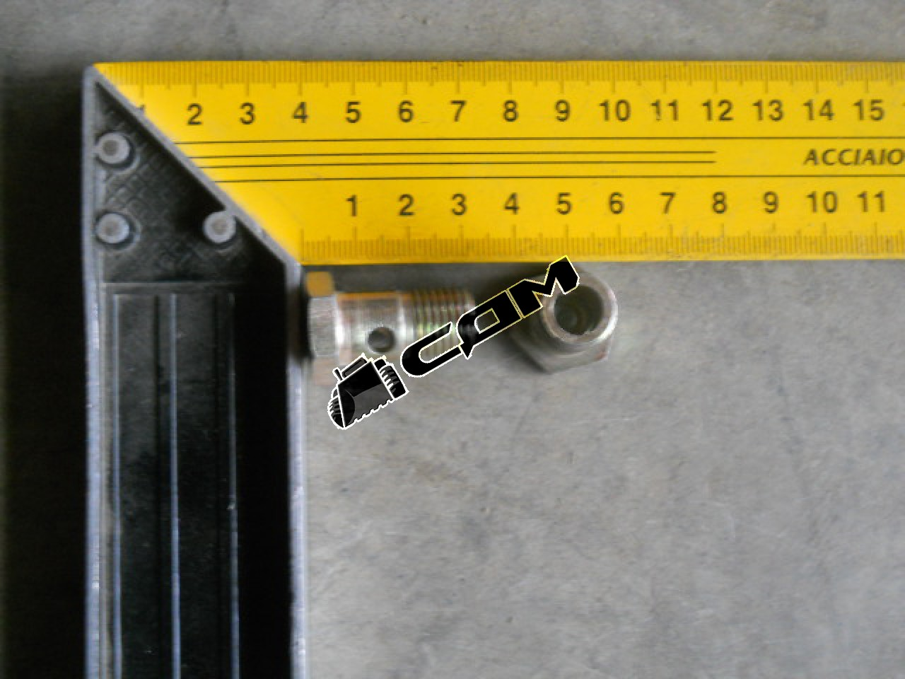 Болт М14х26 штуцерный (Euro 3)  VG1540080022
